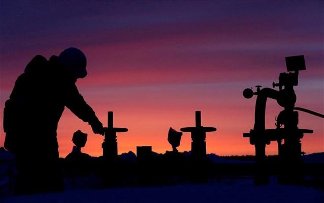 Κατάρρευση 30% για τις τιμές του πετρελαίου στο μεγαλύτερο σοκ για την αγορά από τον Πόλεμο του Κόλπου