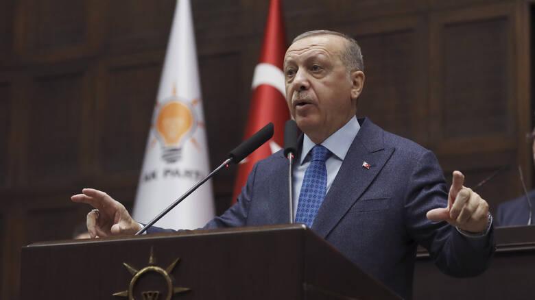 Ο Ερντογάν απαγορεύει στους νέους κάτω των 20 να βγουν από το σπίτι -Σε καραντίνα Αγκυρα, Κωνσταντινούπολη, Σμύρνη