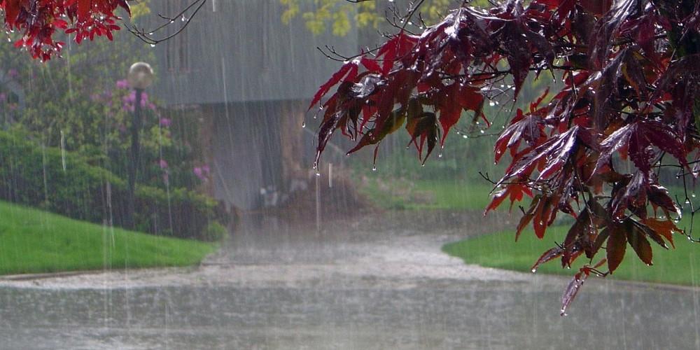 Πρόγνωση καιρού: Κακοκαιρία με βροχές, καταιγίδες και χιόνια το τριήμερο