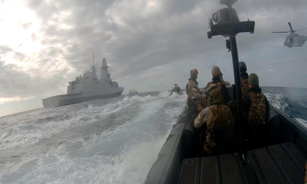 """""""Μυρίζει μπαρούτι"""" στην Α. Μεσόγειο: Έλληνας ο επιχειρησιακός διοικητής της επιχείρησης """"Ειρήνη"""" – Σφοδρές αντιδράσεις από Μόσχα & Άγκυρα"""