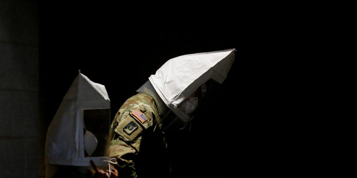 Ο κορονοϊός «χτυπά» τον αμερικανικό στρατό! 7 νεκροί και 1.746 κρούσματα
