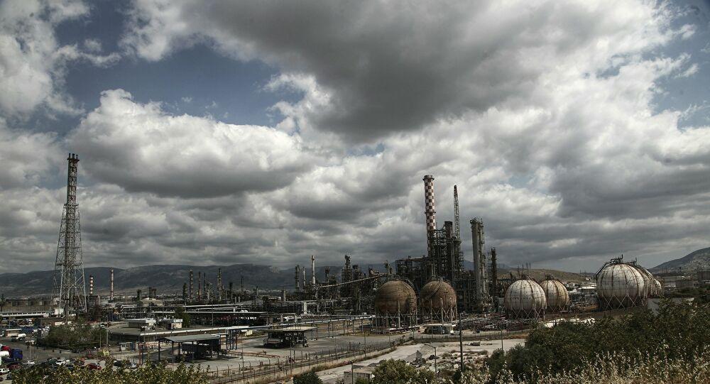 Ο κορονοϊός ρίχνει τη ζήτηση για βενζίνη: «Βουτιά» έως και 85%