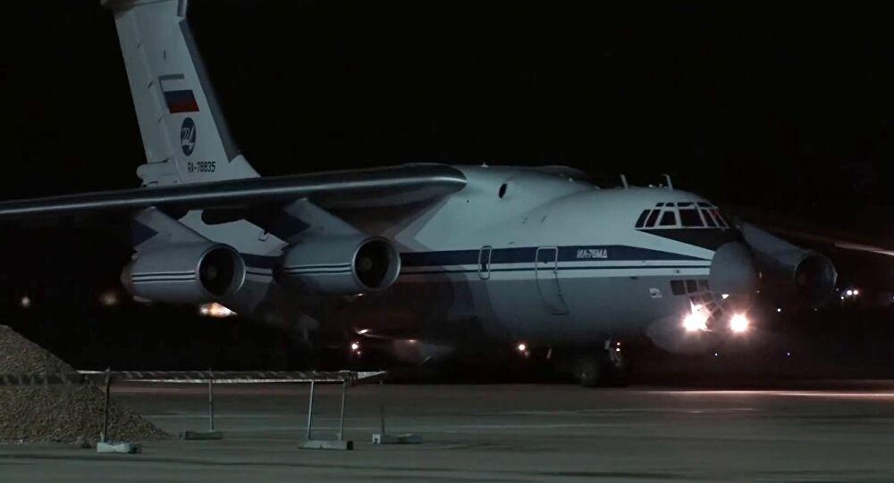 Έφτασε στις ΗΠΑ το ρωσικό αεροπλάνο με την ιατρική βοήθεια