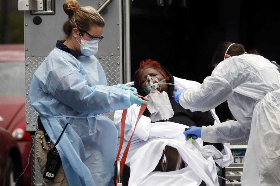 Αδιανόητο: Σχεδόν 2.000 νεκροί στις ΗΠΑ σε ένα 24ωρο από κορωνοϊό