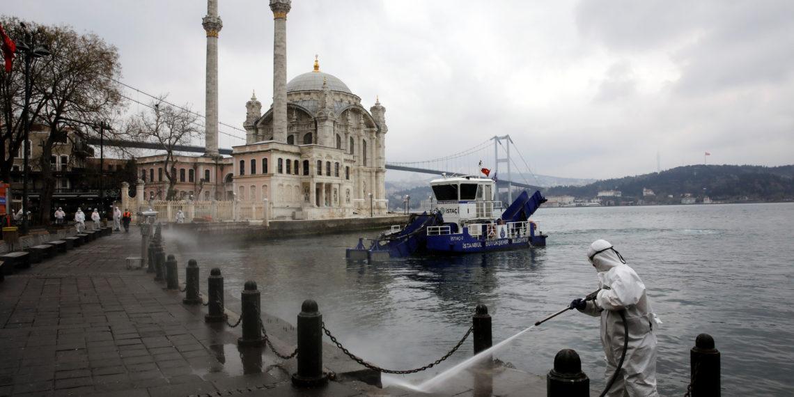 Ο Δήμαρχος της Κωνσταντινούπολης αμφισβητεί τον Ερντογάν και ζητά μαζική καραντίνα