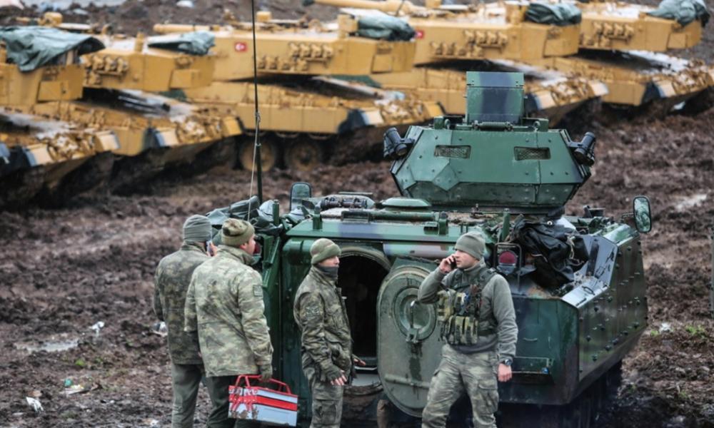 Όλα δείχνουν σύρραξη Συρίας-Τουρκίας: Μεταφέρονται στρατιωτικά οχήματα στην Ιντλίμπ – Οι Ρώσοι καταγράφουν τις κινήσεις της Άγκυρας