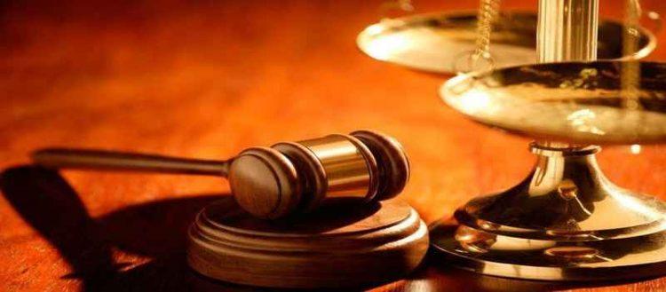 Εισαγγελέας καλεί επειγόντως 76χρονη Κρητικιά για Αθήνα για μια πόρτα!