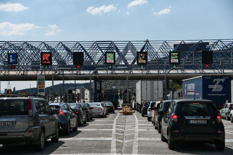 Απαγόρευση κυκλοφορίας: Μπλόκα σε εθνικές οδούς, λιμάνια, αεροδρόμια