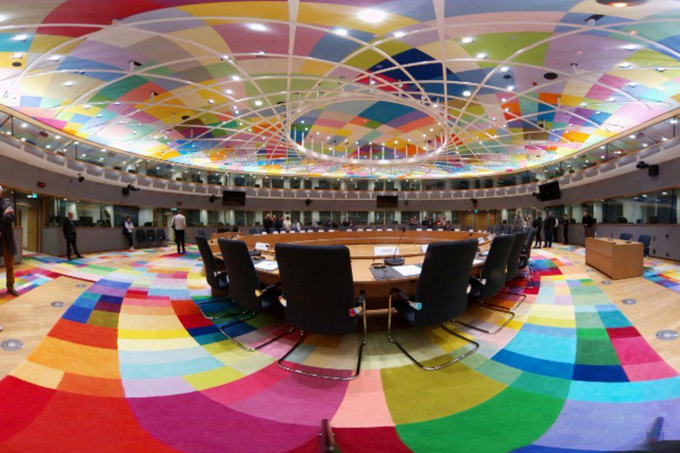 Eurogroup: Κατέληξαν σε συμφωνία οι 27 -Το κρίσιμο σημείο για τον ESM