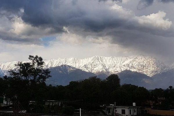 Για πρώτη φορά εδώ και 30 χρόνια, τα Ιμαλάια είναι ορατά από την Ινδία