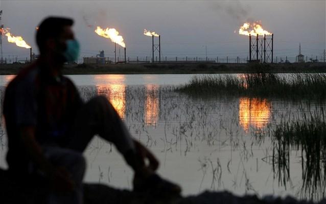 Πετρέλαιο: Σκηνές χάους και βουτιά υπό το μηδέν για το αμερικανικο αργό