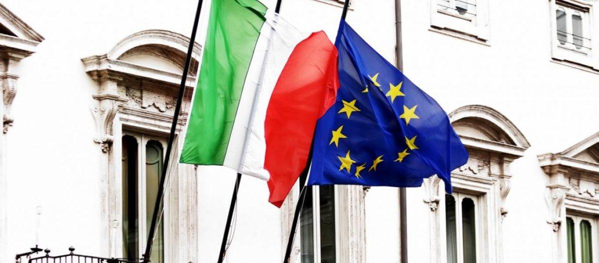 Ιταλία: «Θυμός και οργή» κατά των Βρυξελλών – Ο αντιπρόεδρος της Βουλής κατέβασε τη σημαία της ΕΕ!