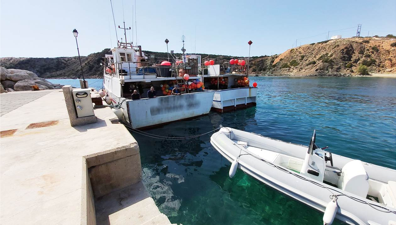 Γαύδος: «Συναγερμός» για Ιταλικά καΐκια που έδεσαν στο λιμάνι