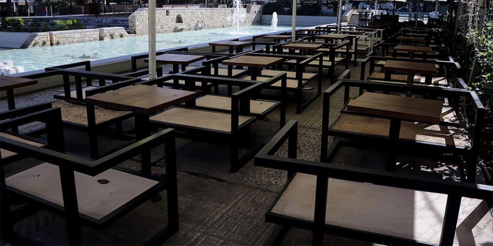 Πρώτη καταδίκη για παραβίαση των μέτρων κατά του κορωνοϊού – 12μηνη φυλάκιση σε ιδιοκτήτη καφέ-μπαρ