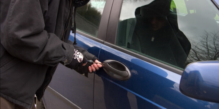 Αποτυχημένος κλέφτης: Η απόπειρα κλοπής του ΙΧ τον έστειλε στα κρατητήρια