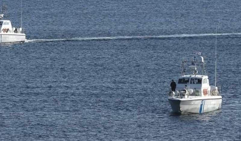 Υπουργείο Ναυτιλίας: Απαγορεύονται το κολύμπι, το ψαροντούφεκο και τα θαλάσσια μέσα αναψυχής