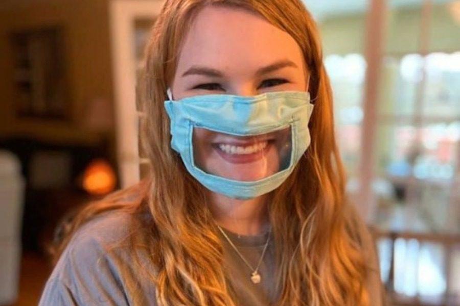 Η φοιτήτρια που φτιάχνει ειδικές μάσκες για κωφάλαλους