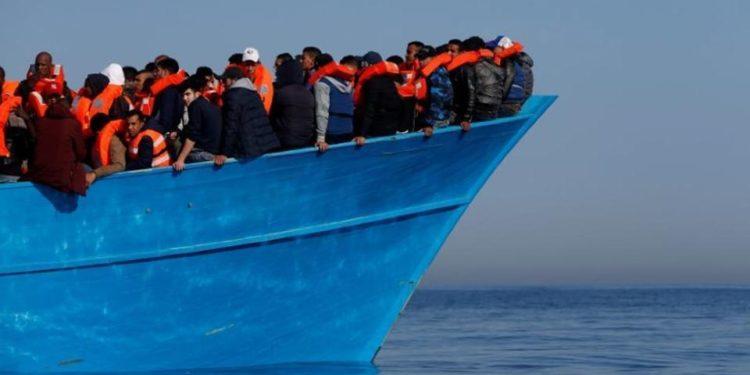 «Πλοία «φαντάσματα» με εξαθλιωμένους μετανάστες προωθούνται στα ελληνικά ύδατα υπό την καθοδήγηση της Τουρκίας» – Κατεπείγουσα ερώτηση προς την Κομισιόν
