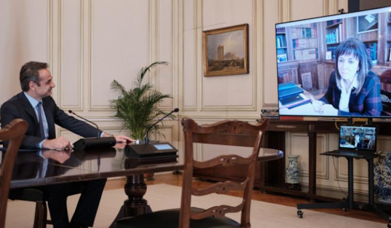 Ο Μητσοτάκης ενημέρωσε τη Σακελλαροπούλου για τα μέτρα αντιμετώπισης του κορωνοϊού