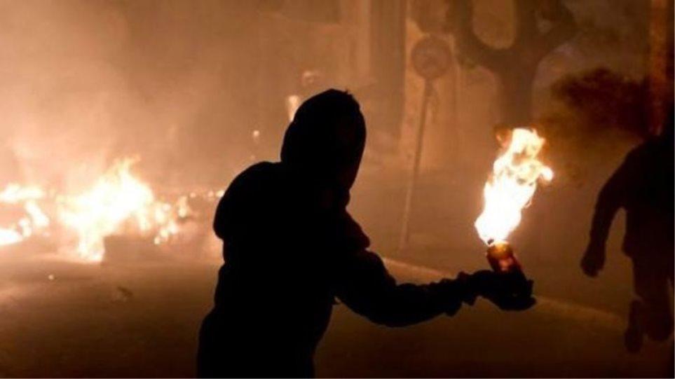 Επίθεση με μολότοφ σε σύνδεσμο του Ολυμπιακού