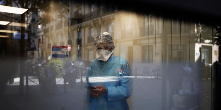 Σοκ στη Γαλλία: Αυτοκτόνησε ο γιατρός της Ρεμς – Είχε κοροναϊό