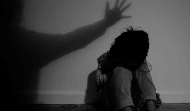 Σοκαριστική υπόθεση ενδοοικογενειακής βίας στην Κρήτη, με θύμα μητέρα 4 παιδιών: Τη χτυπούσε ακόμη και στην εγκυμοσύνη της