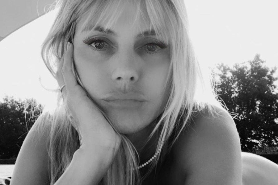 Heidi Klum: κάνει ηλιοθεραπεία γυμνή και «τρελαίνει» το Instagram