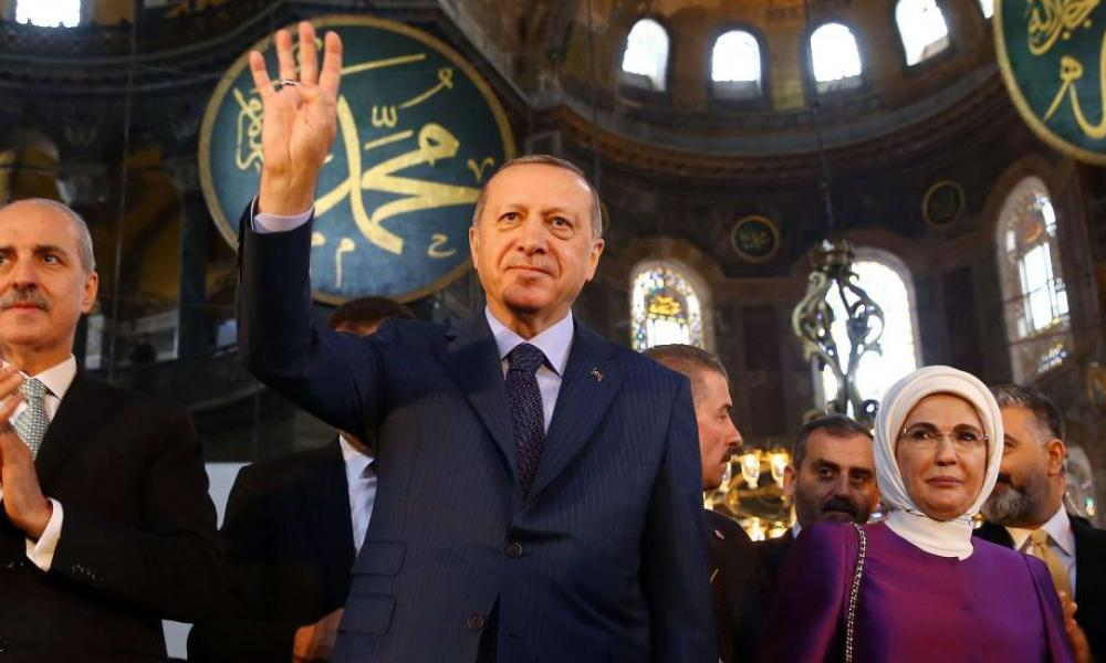 """Προκαλούν οι ισλαμιστές: """"Να γίνει τζαμί η Αγία Σοφία"""" – Ο Ερντογάν απαγγέλλει εδάφια από το κοράνι!"""