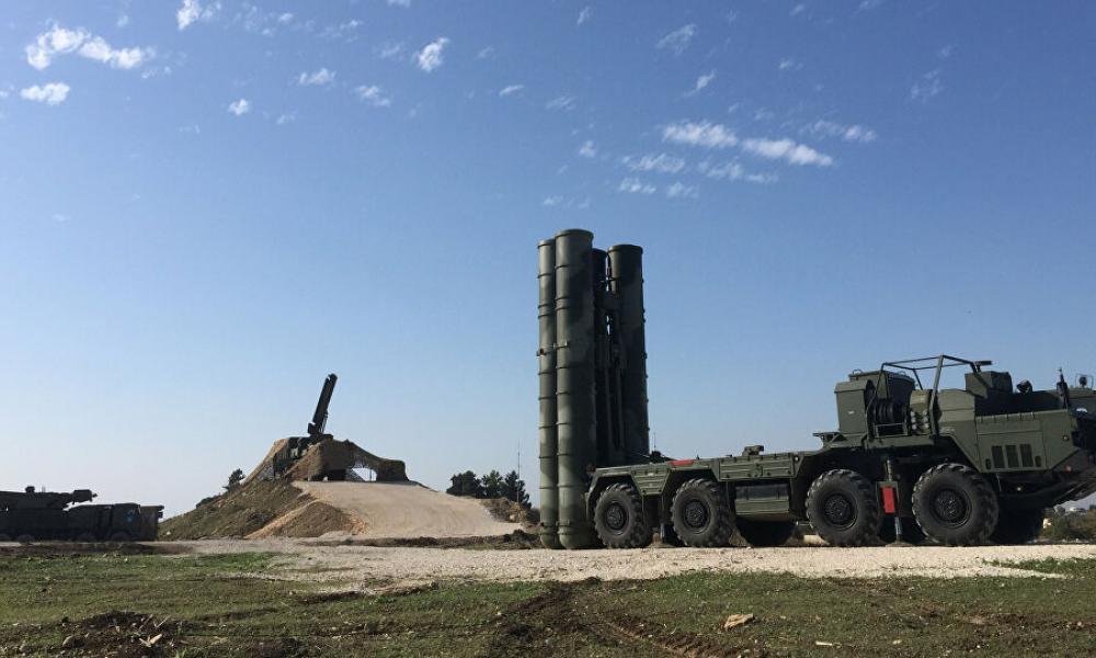 Τουρκική επίθεση κατά Ρώσων: Καταιγισμός πυραύλων στη ρωσική βάση στη Συρία