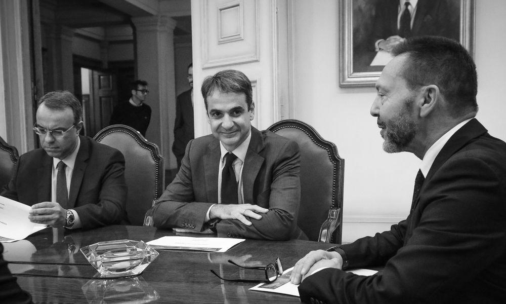 Βουλή: Πιστός στο δόγμα των μνημονίων ο Στουρνάρας προτείνει προσφυγή στον ESM