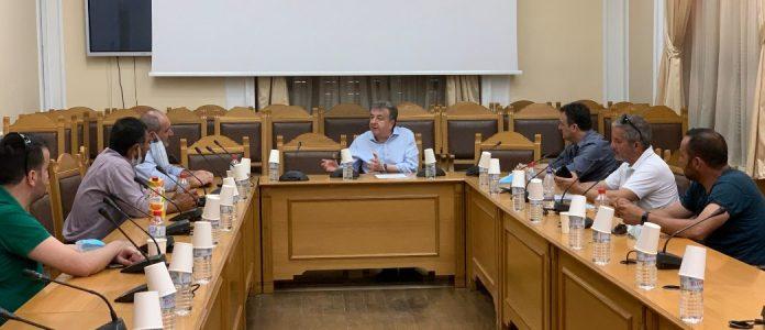 Συνάντηση Περιφερειάρχη Κρήτης με Σωματείο οδηγών Τουριστικών Λεωφορείων