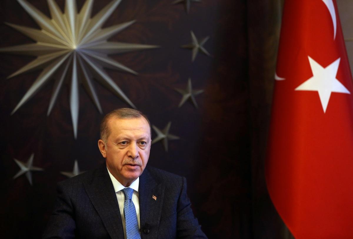 Έρευνα «κόλαφος» για τον Ερντογάν – Του γυρνούν… την πλάτη και οι «δικοί» του