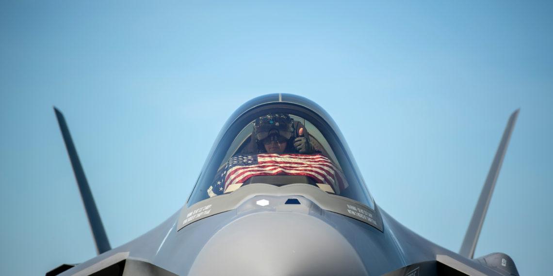 F-35: Ένα αεροσκάφος που απειλεί να τινάξει το ΝΑΤΟ στον αέρα