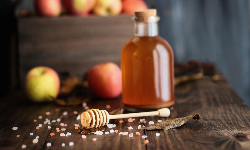 Ξύδι και μέλι: Ένας συνδυασμός με απίστευτα οφέλη για τα μαλλιά (βίντεο)