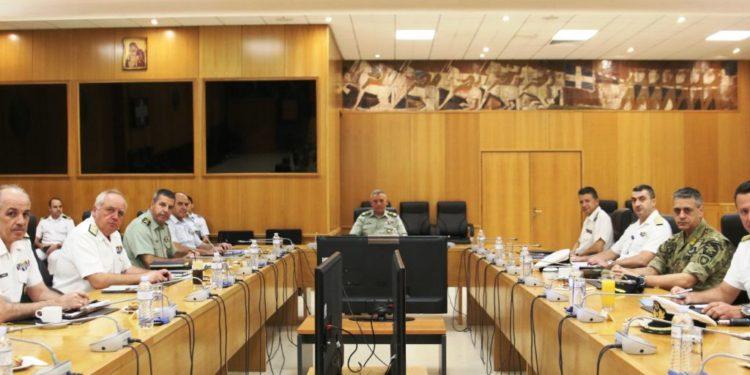 ΓΕΕΘΑ: Ευρεία σύσκεψη με τους Αρχηγούς των τριών Σωμάτων των ΕΔ και το Λιμενικό για τα θαλάσσια σύνορα