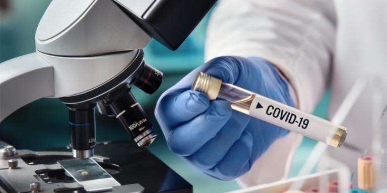 Σάλος με γαλλική φαρμακοβιομηχανία: Προτεραιότητα οι ΗΠΑ στο εμβόλιο!