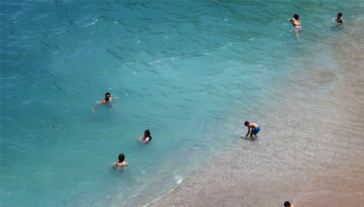 Κινδύνευσαν 7 ανήλικοι σε παραλίες του Ηρακλείου
