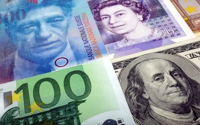 Το δολάριο παραμένει «βασιλιάς» στον αβέβαιο κόσμο του Covid-19