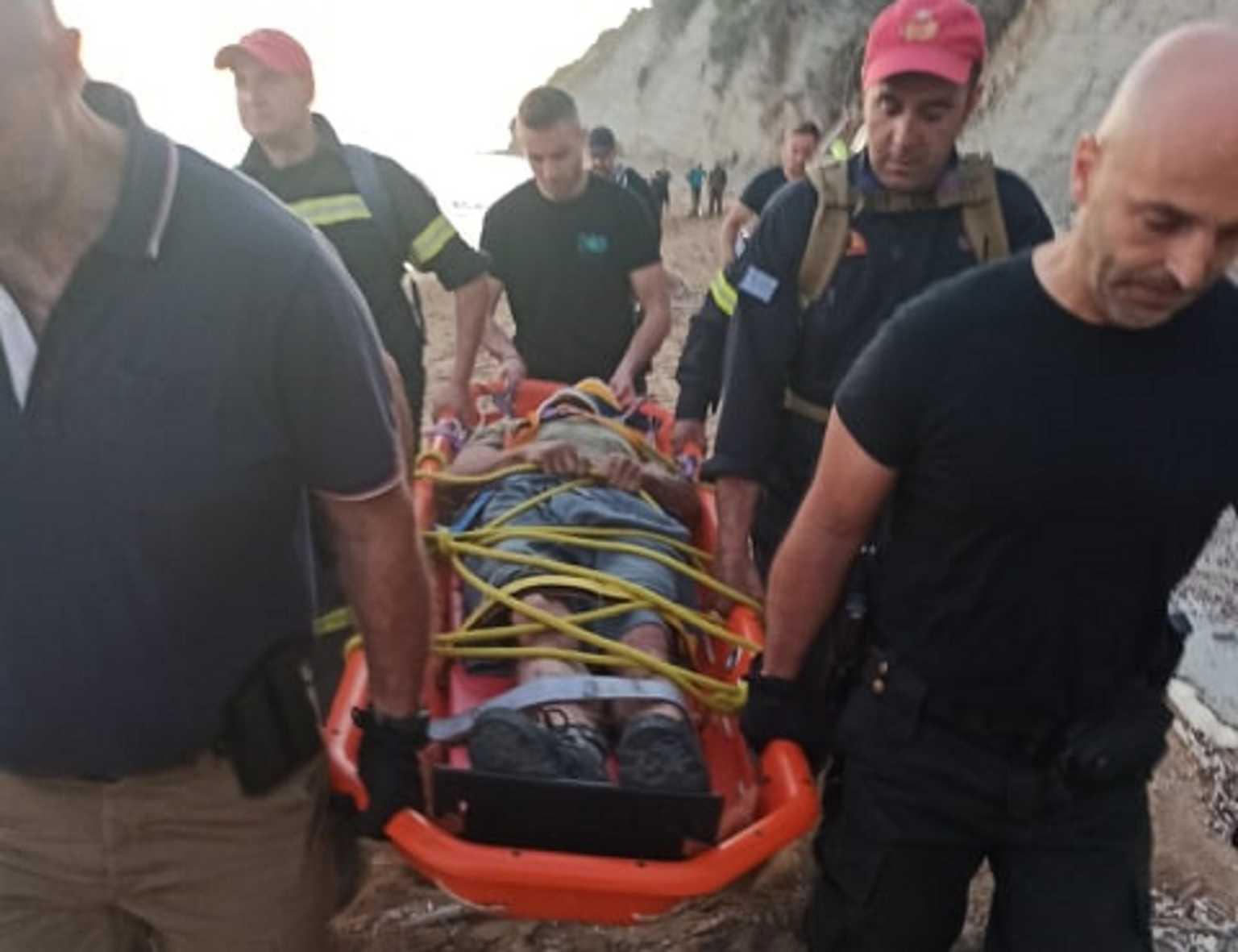 """Κέρκυρα: Πολυτραυματίας ο """"δράκος και βιαστής του Κάβου""""! Η αναγνώριση, τα μυστικά και οι πρώτες εικόνες μετά τη σύλληψή του"""
