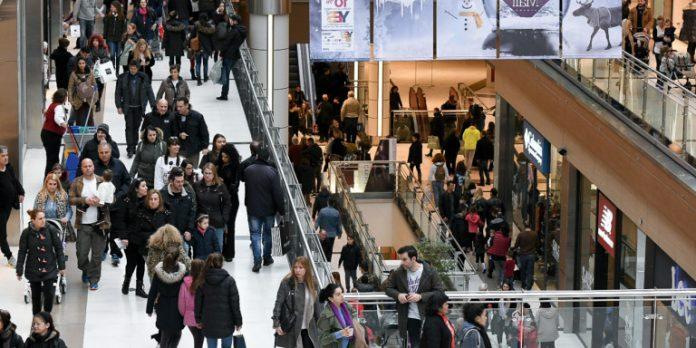 Γεωργιάδης: Με ποια σειρά θα ανοίξουν τα καταστήματα – Λουκέτο και πρόστιμο σε όσους παραβιάζουν τα μέτρα