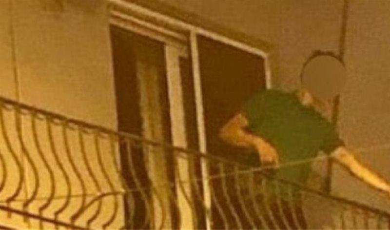 Θεσσαλονίκη: Πετούσε από το μπαλκόνι του γλάστρες και καρέκλες σε θαμώνες ενός μπαρ