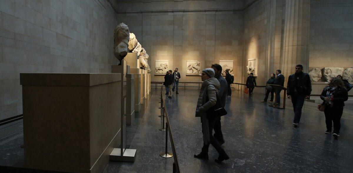 Μενδώνη: Η Ελλάδα ζητεί να επιστρέψουν τα Γλυπτά του Παρθενώνα