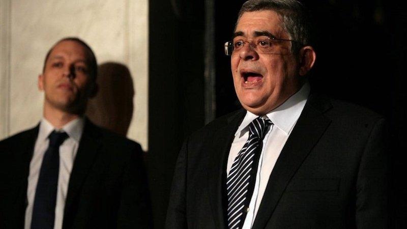 «Σκοτώνονται» δια αντιπροσώπων Μιχαλολιάκος και Κασιδιάρης: «Είσαι ρουφιάνος-Είσαι προδότης»