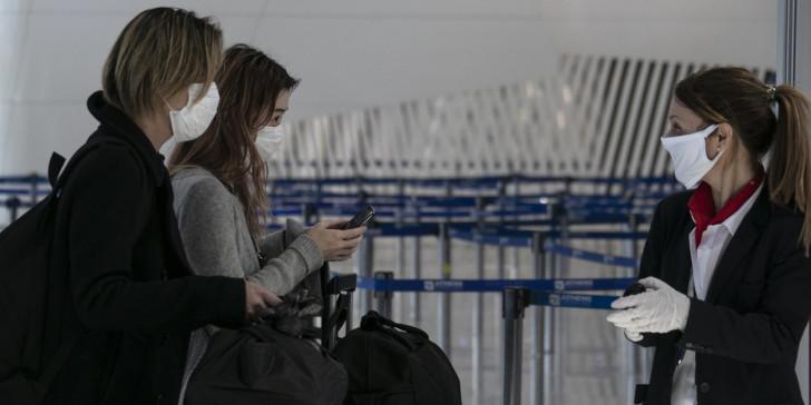 Παρατείνεται η υποχρεωτική καραντίνα για τους ταξιδιώτες από το εξωτερικό