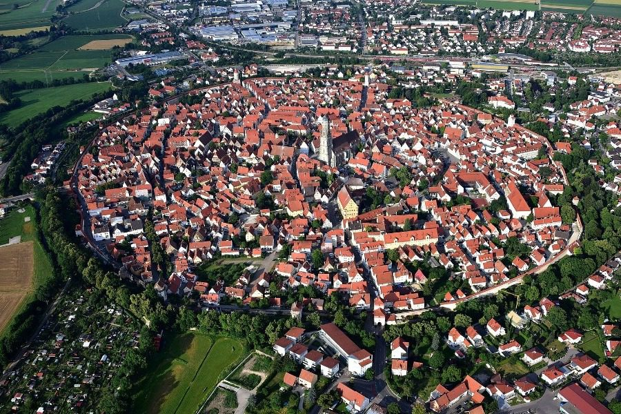 Η πανέμορφη πόλη της Ευρώπης που χτίστηκε πάνω σε κρατήρα μετεωρίτη