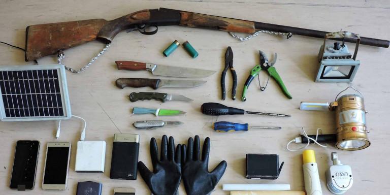 Κέρκυρα: Ο «δράκος του Κάβου» ήταν βαριά οπλισμένος -Σοκάρουν τα ευρήματα της αστυνομίας [εικόνες]
