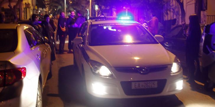 Άγνωστοι καταδίωξαν με μηχανή σε εθνική οδό διευθύντρια των ΕΛΤΑ για να τη ληστέψουν!
