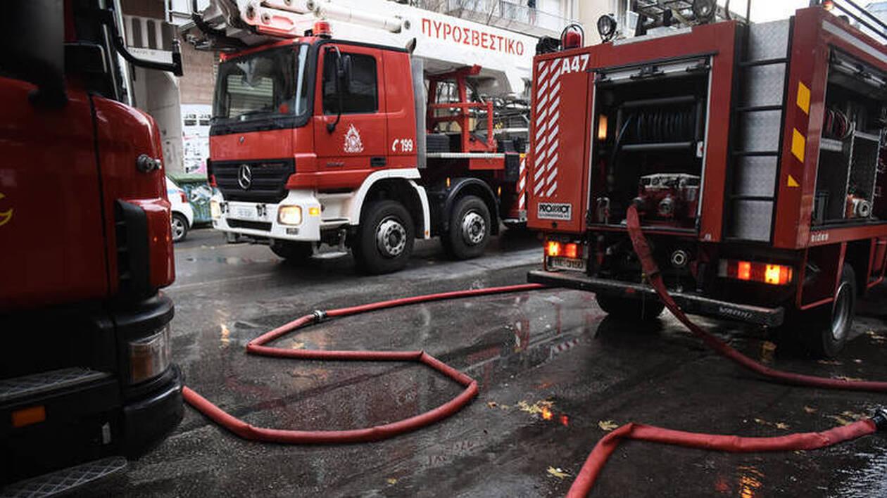 Πυρκαγιά σε διαμέρισμα στο Κερατσίνι: Χωρίς τις αισθήσεις του εντοπίστηκε ένα άτομο