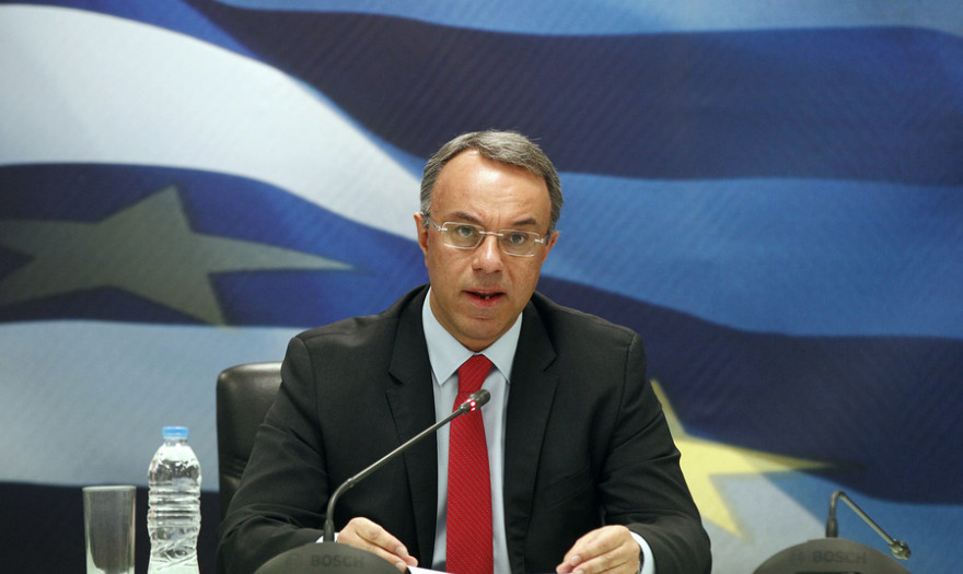 Νέο κατηγορηματικό «όχι» Σταϊκούρα σε μειώσεις μισθών και συντάξεων