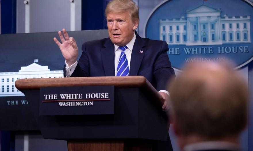 Τραμπ: Τιμή για τις ΗΠΑ, τα περισσότερα κρούσματα στον πλανήτη